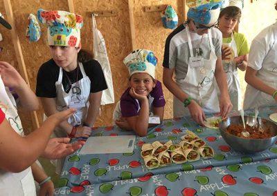 campamento-cocina-montejucar-10