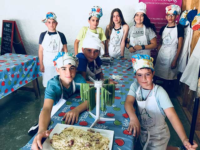 campamento-cocina-montejucar-3
